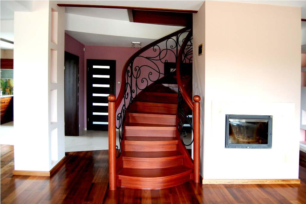 Zakup i montaż schodów wewnętrznych