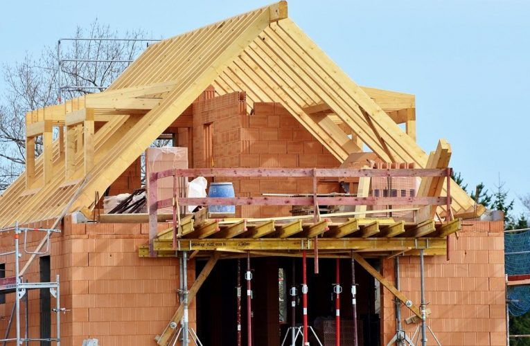 Jak podnieść swoje kwalifikacje w budownictwie?